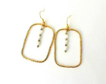 Επίχρυσα σκουλαρίκια με μαργαριτάρια / Gold earrings with freshwater pearls