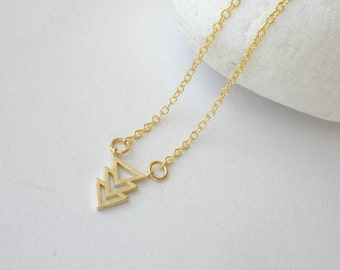 Triangle necklace - Geometric pentand -Simple everyday jewelry - Chevron dainty necklace - Gold chevron layering necklace - Gift for her