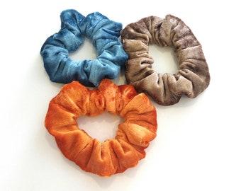 Velour handmade scrunchies in blue brown orange / Λαστιχάκια βελουτέ για τα μαλλιά
