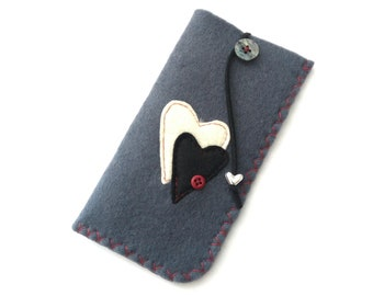 Gray felt case, Decorated eyeglasses grey case with hearts, Reading glasses pouch, Red heart eyeglasses case, Handmde case Mother's day gift