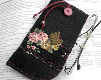 Black felt eyeglass case -Mother's day gift- Eyeglass case - Butterfly eyeglass case - Felt case -Black eyeglass case