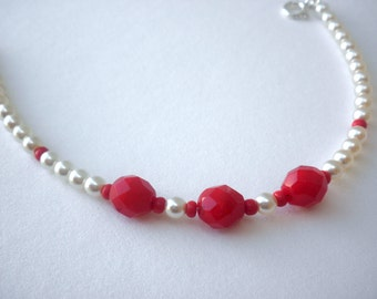 Red beaded bracelet  -Pearl beaded bracelet  -White pearls bracelet  - Layering bracelet -Red beaded bracelet  -  Red White beaded bracelet