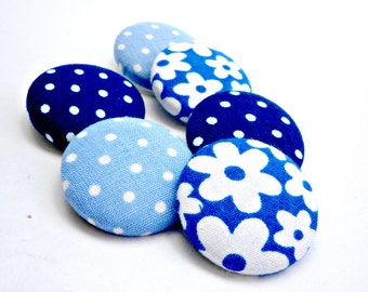 Blue covered buttons - Florals buttons - Polka dots buttons -Sewing buttons -Blue flowers butttons - Size 45 28mm buttons - Navy bluebuttons