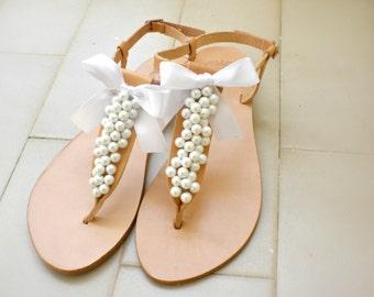 Νυφικά σανδάλια με άσπρες πέρλες και άσπρο σατέν φιόγκο  / Greek sandals with white pearls