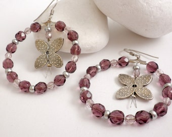 Hoop butterflies  earrings  - beaded hoop purple earrings - Butterflies earring - Purple beaded earrings