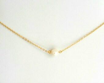 Kολιέ με επίχρυση αλυσίδα και μαργαριτάρι / One Freshwater pearl necklace