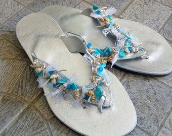 Ασημί δερμάτινα σανδάλια με κοχύλια / Greek silver leather sandals with shells and lace