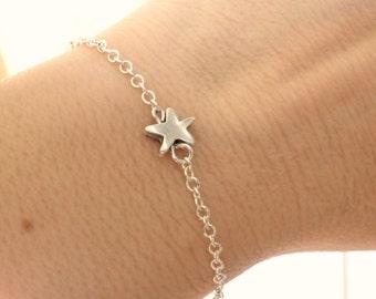 Tiny Star bracelet, Dainty bracelet, Star charm bracelet, Everyday jewelry,Bridesmaid gifts, Silver star chain bracelet,Minimalist bracelet