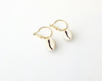 Cowrie shell hoop earrings, Gold hoop earrings with cowrie, Gold cowrie hoops, Cowrie earrings, Hoop earrings, Summer earrings, Gift for her