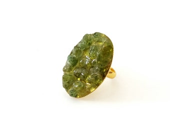 Peridot ring - Gold plated peridot ring - Green adjustable ring - Spring ring - Cocktail ring - Peridot chip adjustable ring - Gift for her