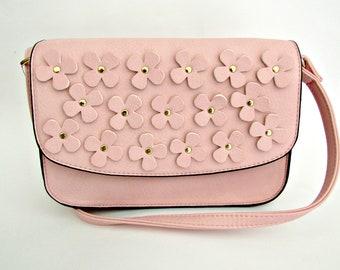 Ροζ τσαντάκι με λουλούδια