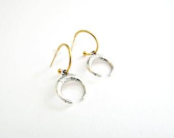 Επίχρυσοι κρίκοι με κέρατο, Horn hoop earrings