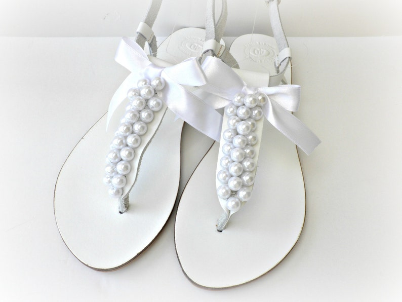 20d4e72adf0b White wedding sandals with white pearls and bow Pearl