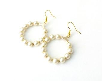 Gold hoop earrings, Pearl beaded hoop earrings, Bridal hoop earrings, Dainty pearl earrings, Elegant earrings, Birthday gift