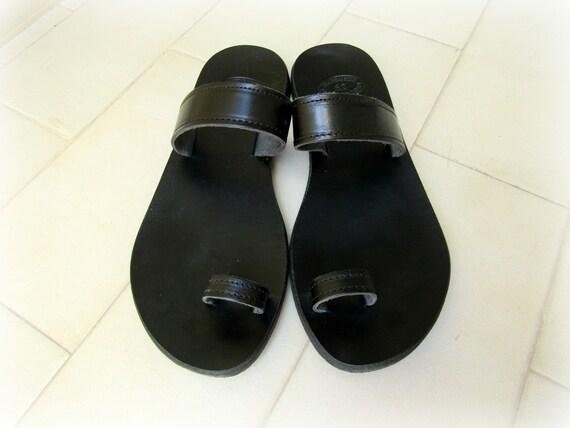 Black sandals Greek leather sandals Toe ring sandals Ancient sandals Handmade sandals Summer shoes Women sandals Beach flats