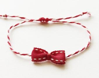 Βραχιόλι Μάρτης με κόκκινο φιογκάκι / Bracelet with red bow
