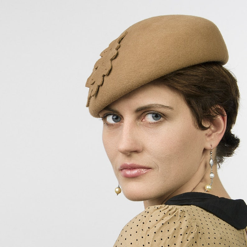 cce275b4c Camel Colored Wool Felt Beret decorated with Leaves