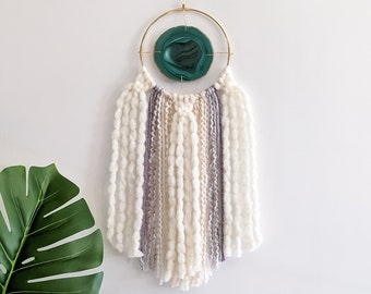 "Janie Design | 4"" Green Agate + Fringe Wall Hanging"