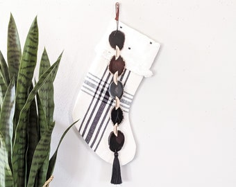 Pebble Agate Garland Wall Hanging