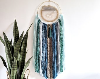 "8"" Natural Agate + Teal Fringe Wall Hanging 
