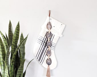Mink Agate Garland Wall Hanging