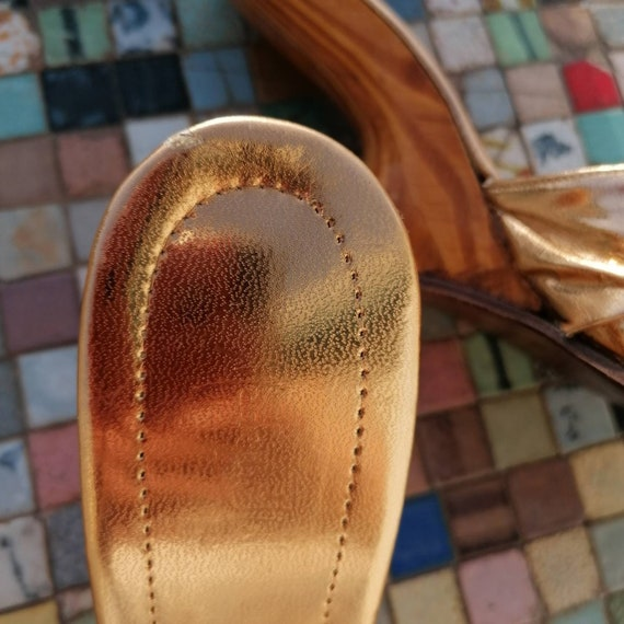 1950s boomerang gold lame shoes - image 9