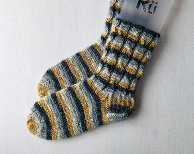 46/47 izmērs - Rü superzeķes - Pelēkas / dzeltenas / baltas strīpas - Gatavas sūtīšanai