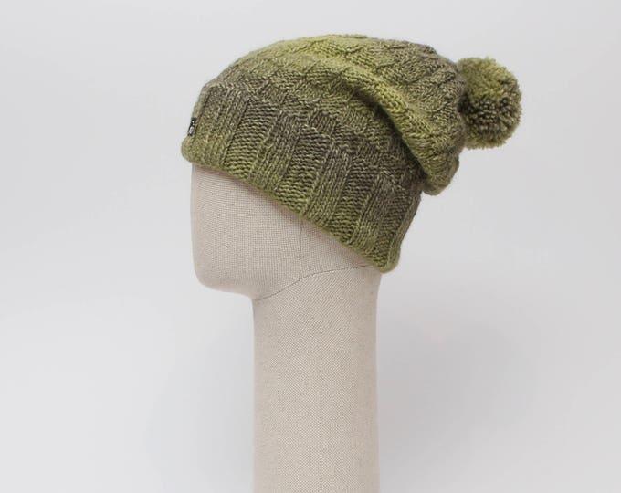 M (56-58cm) - Zaļa cepure ar merīnvilnas oderes joslu - Gatava sūtīšanai