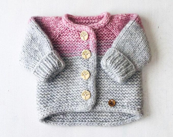 50/56cm (0-3 mēneši) - Mīksta gaiši rozāa/pelēka jaciņa mazulim - Gatava sūtīšanai