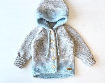 86/92cm (1-2 gadi) Mīksta gaiši pelēka ar zilu kapučjaciņa mazulim - Gatava sūtīšanai