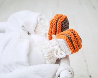 0-6 mēneši - Strīpaini oranži / bēši merīnvilnas zābaciņi mazulim - Gatavi sūtīšanai