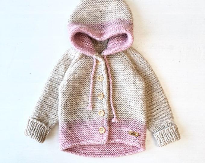 Mīksta gaiši bēša / rozā jaciņa mazulim - Gatava sūtīšanai