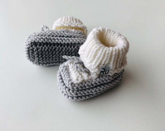 Baby booties in a box Grey Newborn booties Baby boy boots Grandparents to be gift Pregnancy reveal Newborn photo props Baby Christmas gift