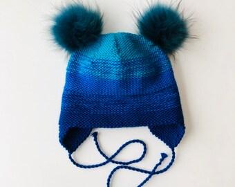 2-5 gadi (50-52cm) - Zila merīnvilnas ausainīte ar skaistu krāsu pāreju - izvēlies bumbuļu komplektu pats - Gatava sūtīšanai