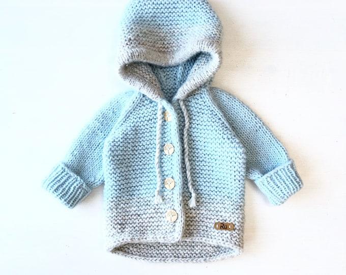 62/68cm (3-6 mēneši) Mīksta gaiši zila / pelēka jaciņa mazulim - Gatava sūtīšanai