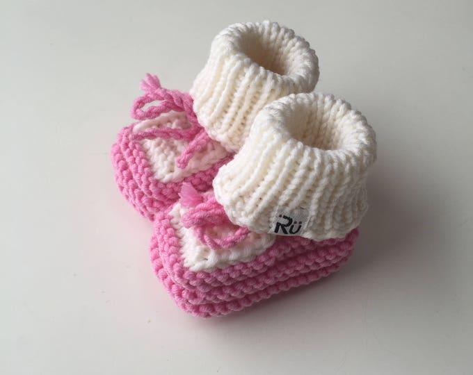 0-6 mēneši - Rozā / balti merīnvilnas zābaciņi mazulītei - Gatavi sūtīšanai