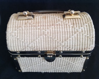 b1938994dc2c Vintage Borsa Bella Trunk Purse