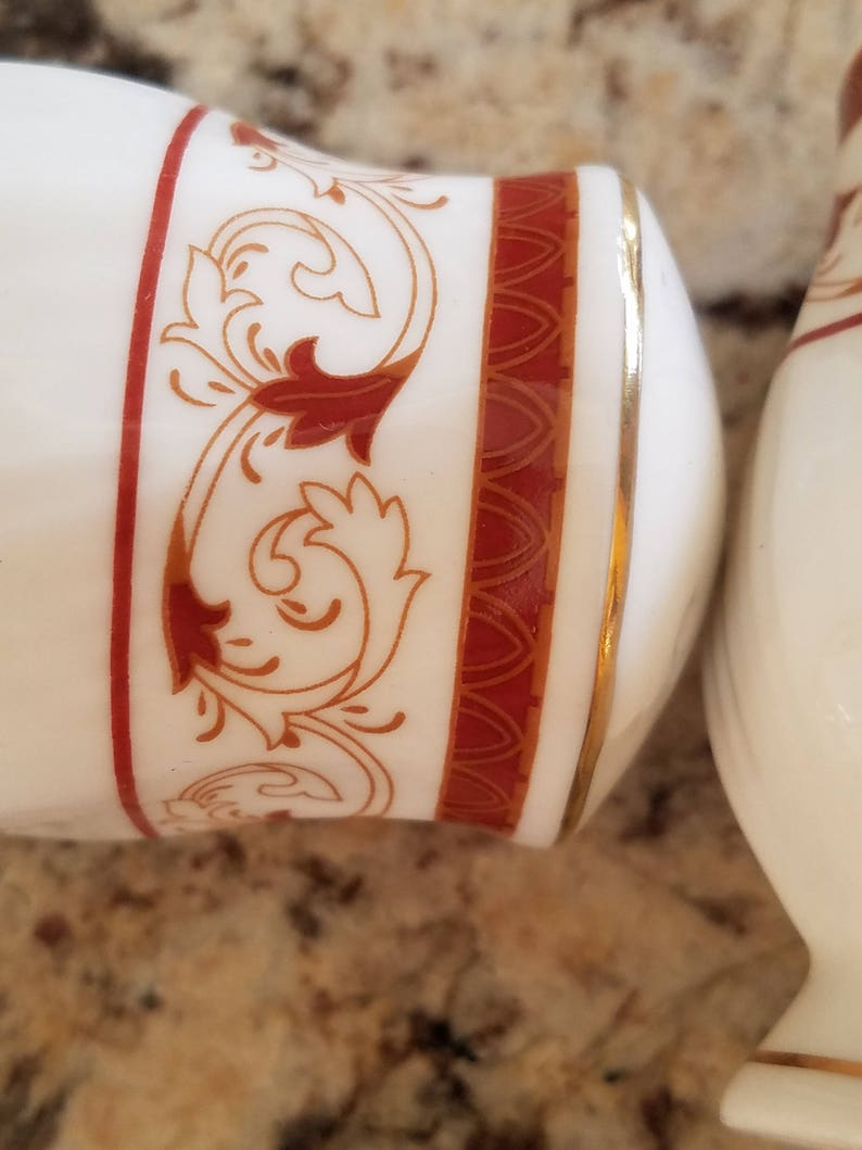 Thanksgiving Table Accessories Vintage White Porcelain Salt /& Pepper Shakers Rustic Brown Paint With Scroll Leaves And Stems Gold Stripes