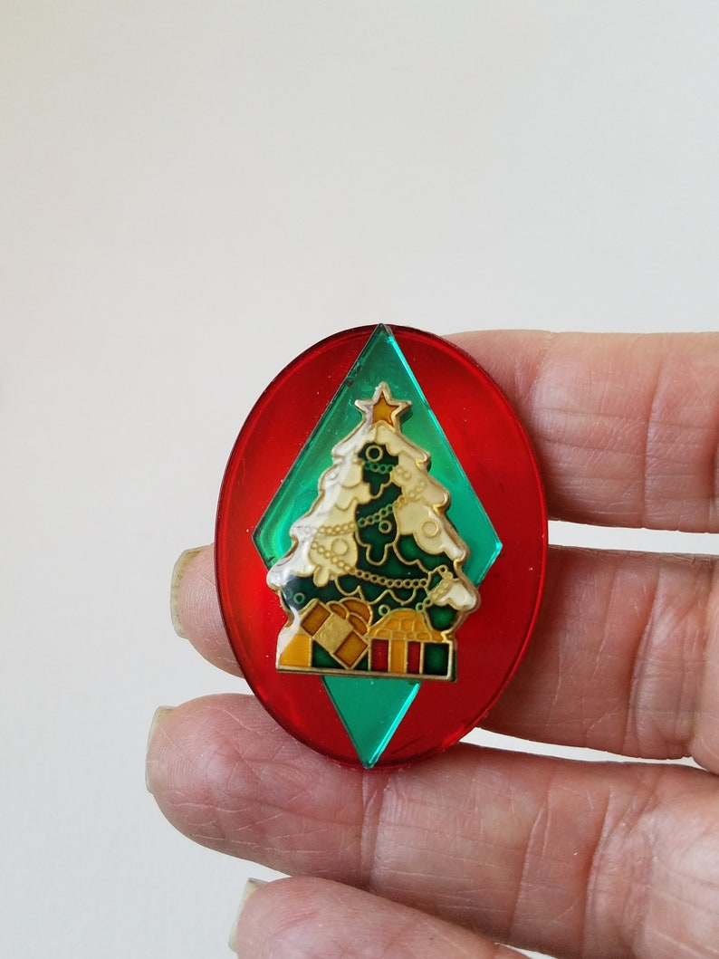 Christmas Jewelry Repurposed Clips Geometric Shapes Holiday Clip On/'s Season/'s Greetings Vintage Red Oval With Christmas Tree Earrings