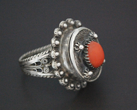 Vintage Coral Filigree Poison Ring - Size 7 - Lock