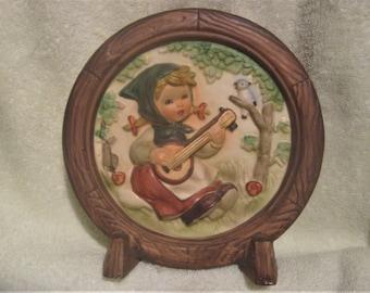 NAPCOWARE WALL PLAQUE C-9047 Girl Banjo Guitar Figurine.