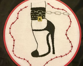 Shoe and Chain Hand Embroidery Hoop