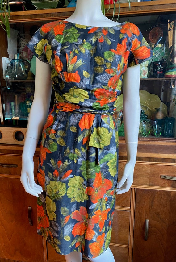 1950's floral wiggle dress