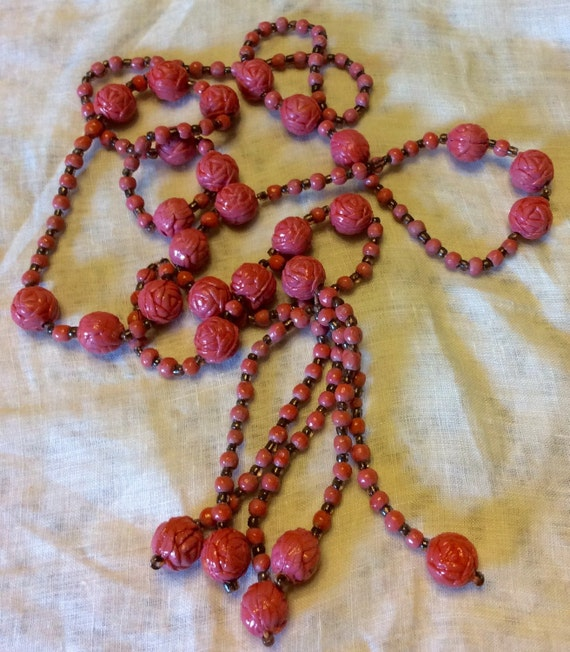 Vintage 1940's celluloid rose beads beaded necklac
