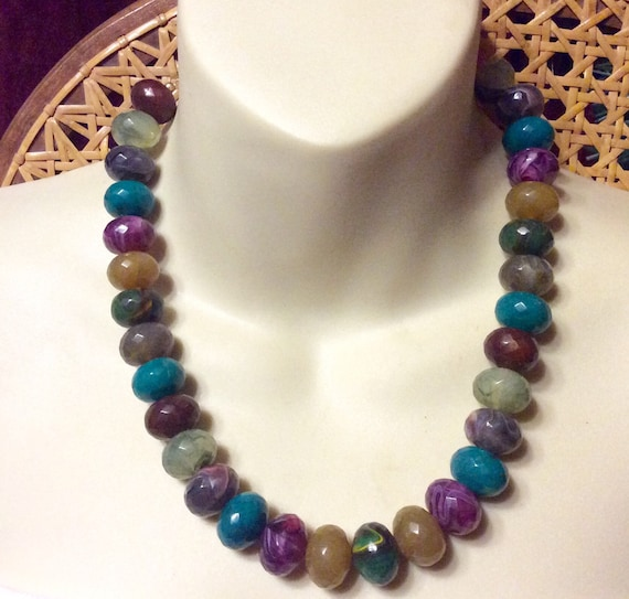 Vintage 1960's marbled acrylic faceted beads neckl