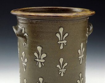 Fleur De Lis Slip Trailed Celadon Crock - Kitchen Utensil Holder
