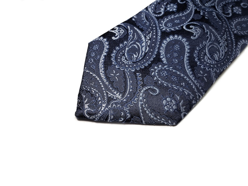 3 inch wide Silk Tie with Paisley in Navy Blue and Silver