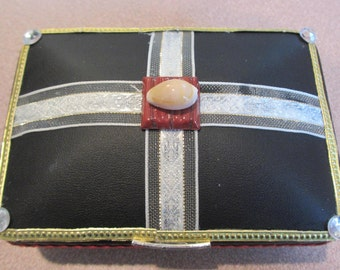 Happy, a jewelry gift box