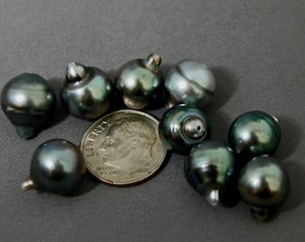 D227 - Loose Tahitian Peacock Pearls.