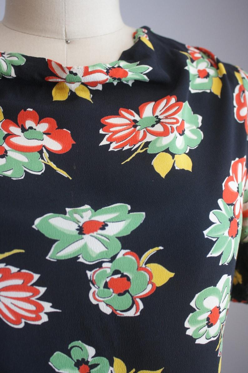 Late 1930s Silk Rayon Dress  Novelty Floral Print  XS
